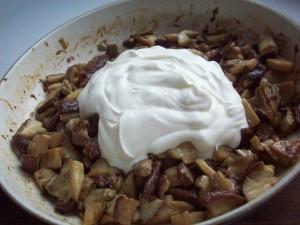 пирог с белыми грибами