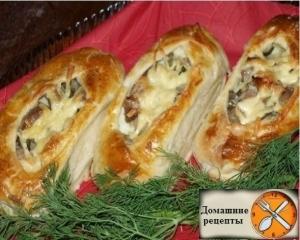 Лодочки из слоеного теста с картофелем и мясом
