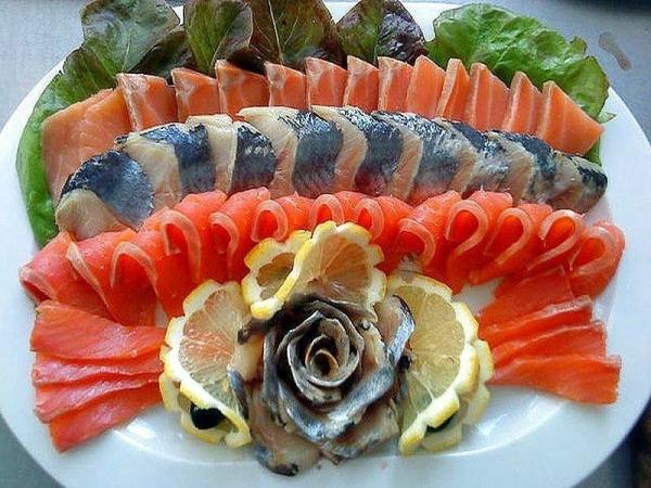 Великолепное оформление рыбной нарезки