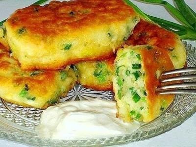 Быстрые ленивые пирожки с яйцом и зелёным луком