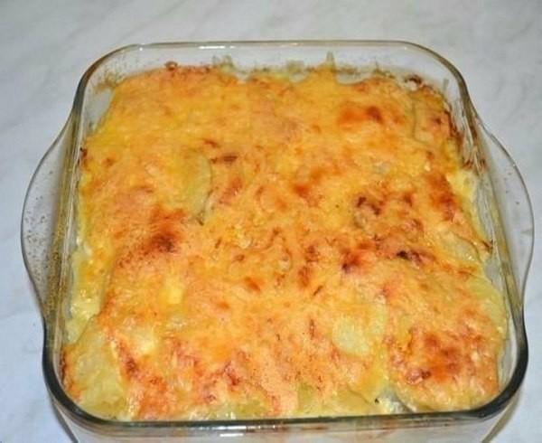 Картофельная запеканка со скумбрией