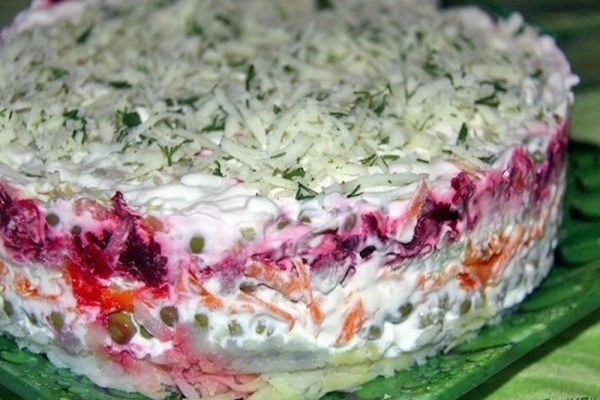 Домашний слоёный салат