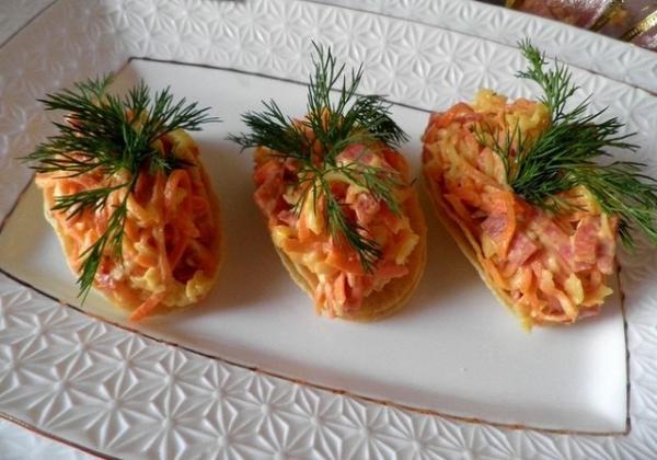 Морковная закуска на чипсах
