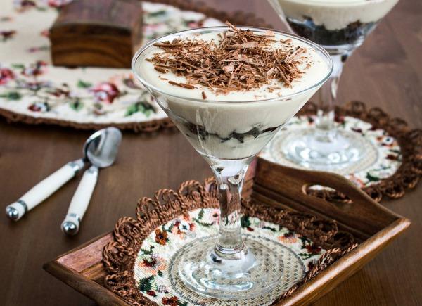 Сливочный десерт с черносливом