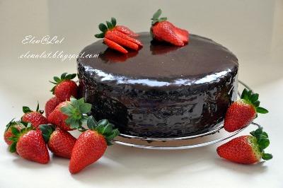 Шоколадно-цитрусовый торт с клубничным муссом 1