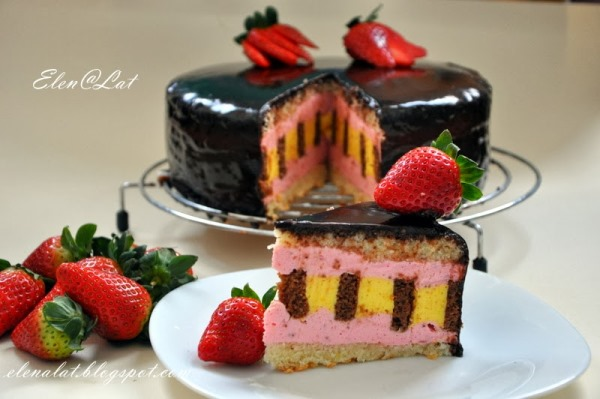 Шоколадно-цитрусовый торт с клубничным муссом 3
