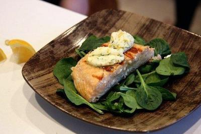 Жареный лосось с пряным маслом и лимоном 3